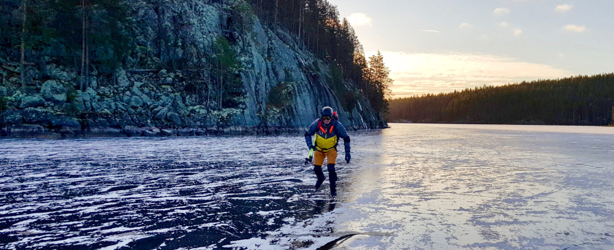 In Water On Ice – Kayaking and Nordic Skating